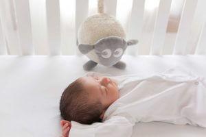 Baby produkter Babyen sover godt med Ewan 300x200 - Søvntips for baby - hvordan få din baby til å sove godt