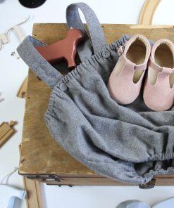 Lær å gå sko - baby jente