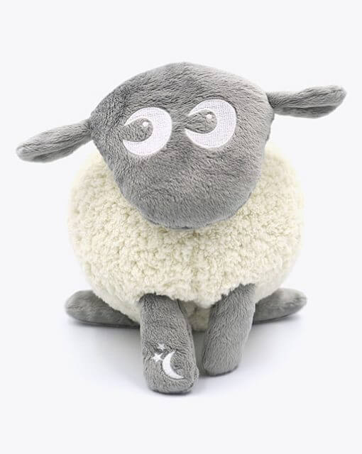 sweetdreamers ewan the dream sheep deluxe baby sleep aid grey 280218 2 510x640 - Kompispakken Deluxe: Deluxe og Snuggly (Grå)