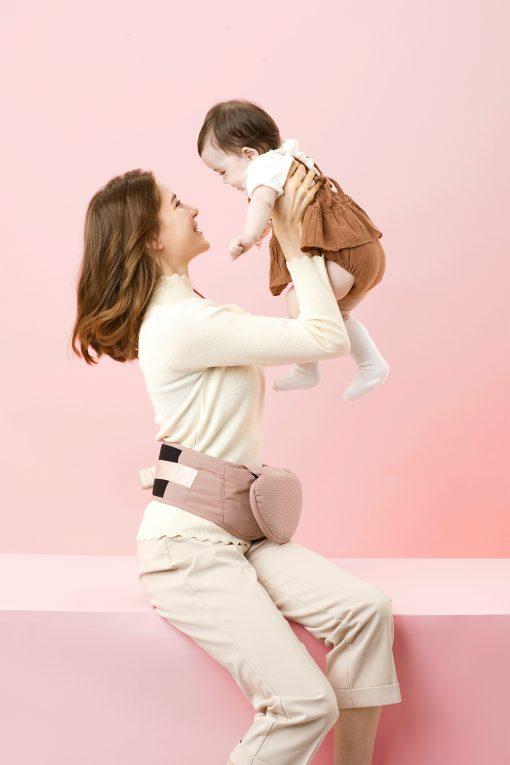 Løft babyen lett med Bebefit bæresele